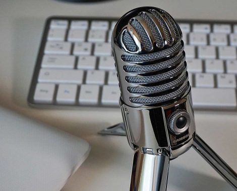 Microphone and keyboard for Podcasts